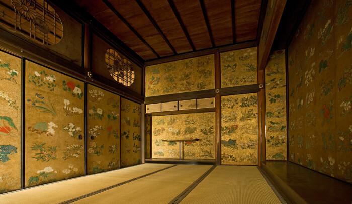 """Hanamaru-zu"" in Shikoku region's Kotohiragū Okushoin by Itō Jakuchū"